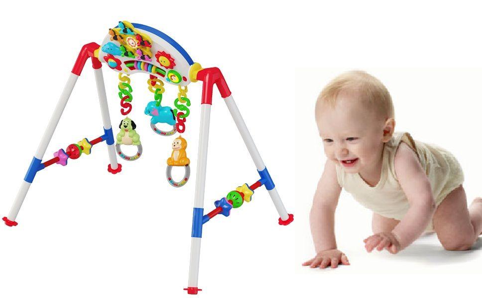 Bé thoải mái vui chơi, mẹ hoàn toàn yên tâm với kết cấu kệ dạng chữ A chắc chắn, chất liệu cao cấp, an toàn cho bé