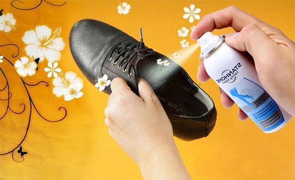 Xịt khử mùi Stanhome không gây dính nhờn, khô nhanh có thể đi giầy ngay sau khi sử dụng