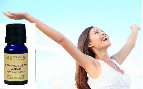 Tinh dầu sả chanh với mùi hương tươi mát, giúp khử mùi, sát khuẩn, giảm cảm giác mệt mỏi, cho tinh thần được thư giãn, thoải mái