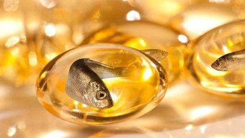 Dầu cá không chỉ cung cấp nhiều axit béo thiết yếu giúp trái tim khỏe mạnh mà còn có nhiều lợi ích với sức khỏe
