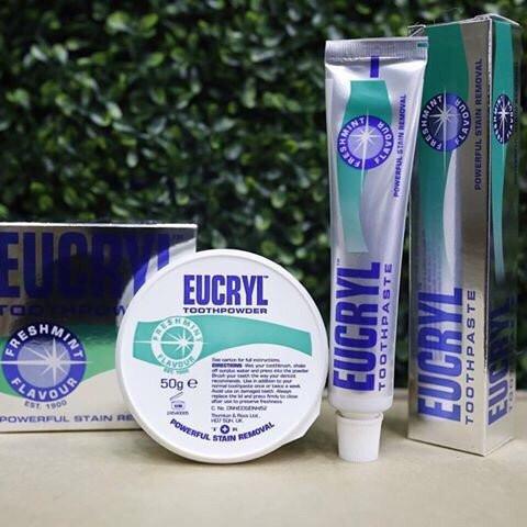 Kết hợp sử dụng bột tẩy trắng răng với kem đánh răng eucryl giúp làm tăng hiệu quả trắng răng