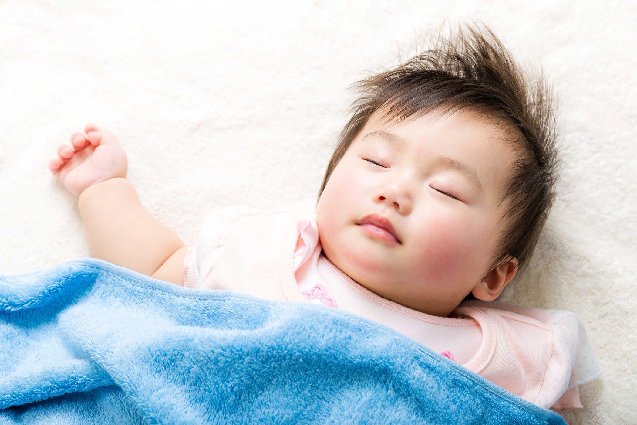 Dầu Vicks Baby Balsam bôi ấm ngực, giảm ho 50g 2