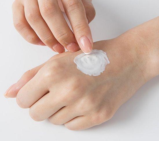 Sữa rửa mặt trắng da Innisfree White Pore Facial Cleanser Ex