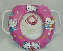 Miếng lót bồn cầu Disney hình Hello Kitty cho bé 2 tuổi trở lên
